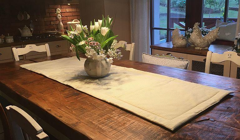 Ručne šitá obojstranná štóla 150 x 50 cm
